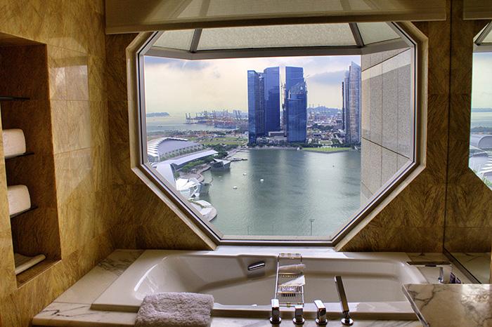 Ein-Tag-in-Singapur-Bad-Ritz-Carlton