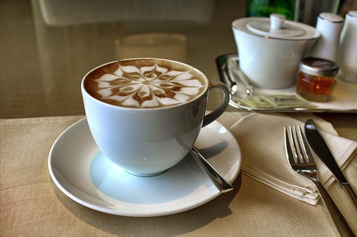 Ein-Tag-in-Singapur-Kaffee-Ritz-Carlton