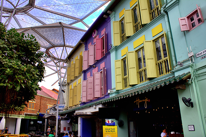 Ein-Tag-in-Singapur-Singapur-Clarke-Quay-bunte-Haeuser