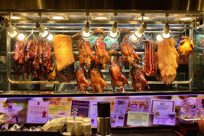 Ein-Tag-in-Singapur-Singapur-Foodcourt-Fleisch