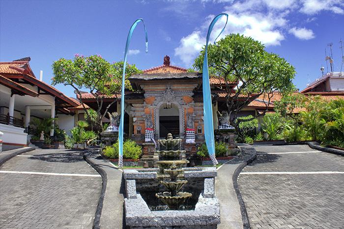Nusa-Dua-Beach-House-außen