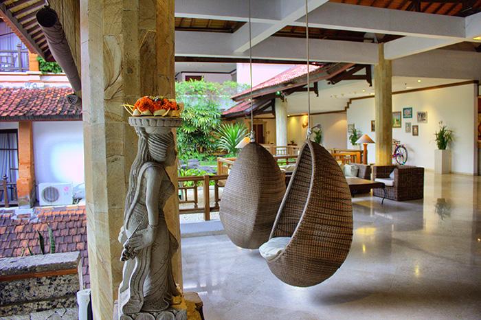 Nusa-Dua-Beach-House-Lobby
