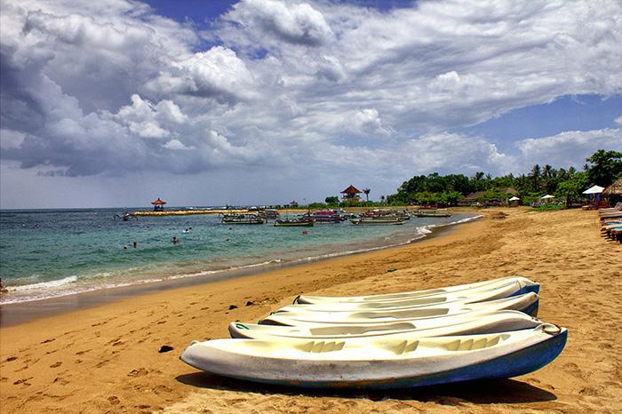 Nusa Dua-Strand-mit-Booten