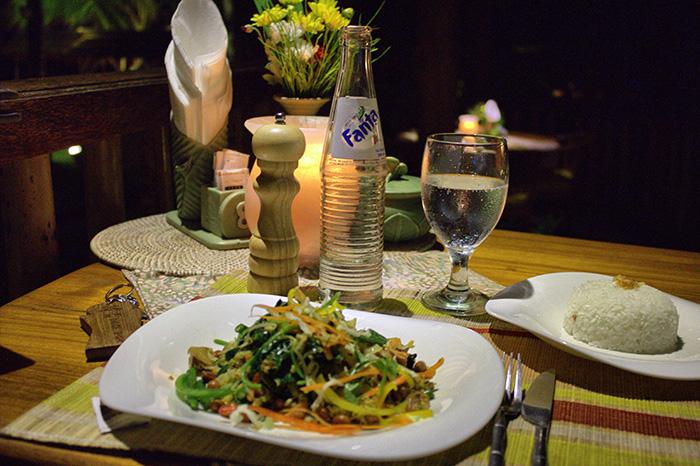 Reisetipps-Westbali_Abendessen