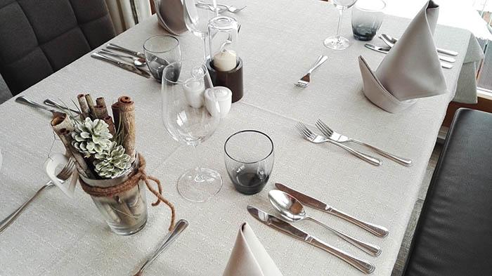 saalbach-hinterglemm-hotel-marten_restaurant-tisch