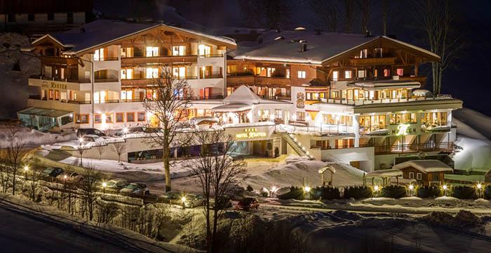saalbach-hinterglemm-photocredit-hotel-marten_aussenansicht-winter