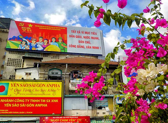Ho-Chi-Minh-bunte-Wand