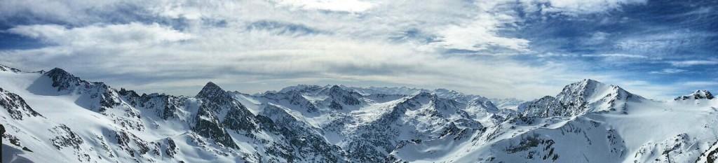 snowboard in stubai panorama