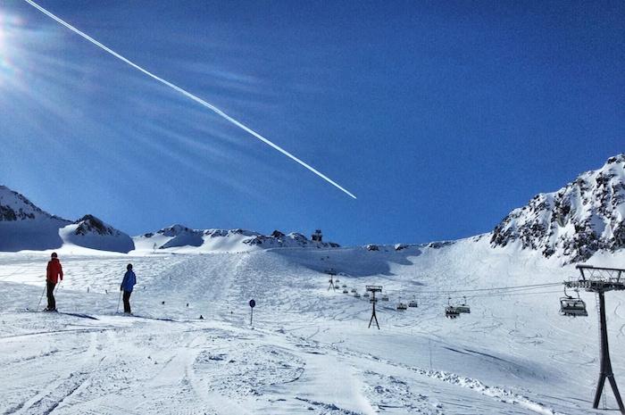 snowboarden im stubaital flugzeug 2