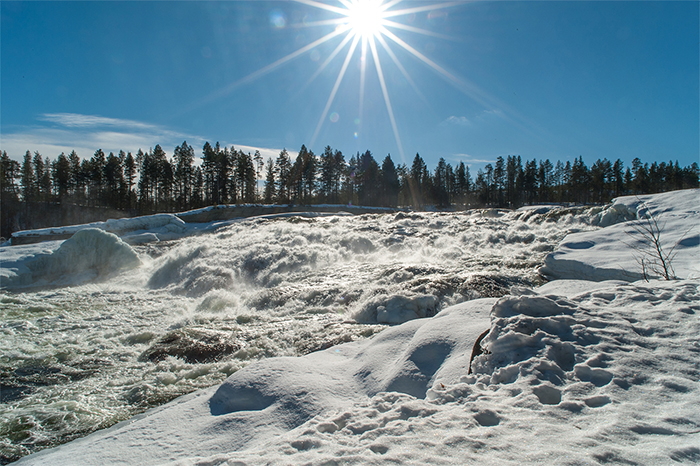 lappland_storforsen_waterfall_wintersun