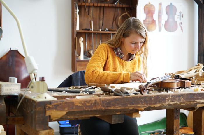 Christine-Neder-Erlebniswelt-Musikinstrumentenbau