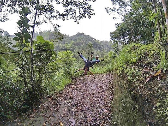 Ecuador-Abenteuer-kopfueber