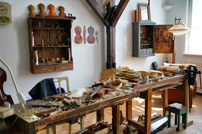Erlebniswelt-Musikinstrumentenbau-Werkstatt