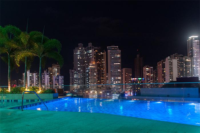 panama_city_rooftop_pool
