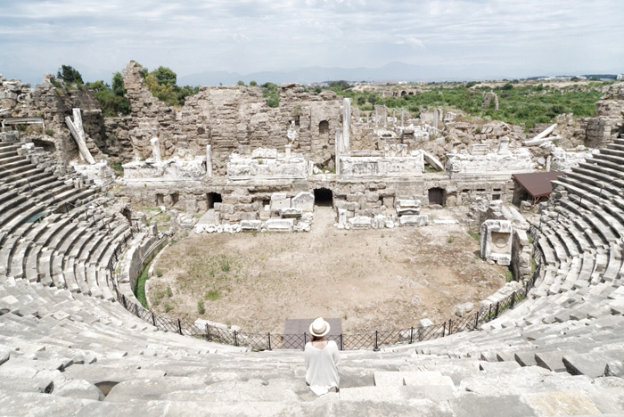 Amphitheater-Side