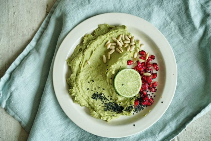 Avocado-Limetten-Hummus