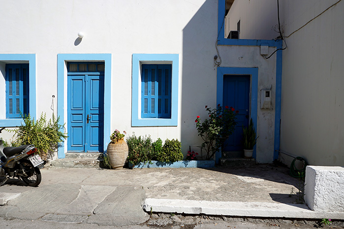 Afantou-blaues-Haus
