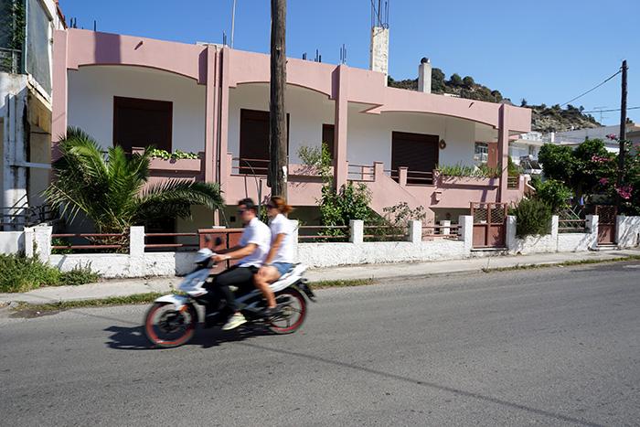 Afantou-Paar-Motorbike