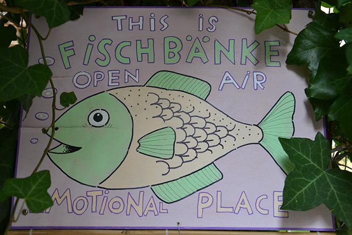 Fischbaenke---Schild-III