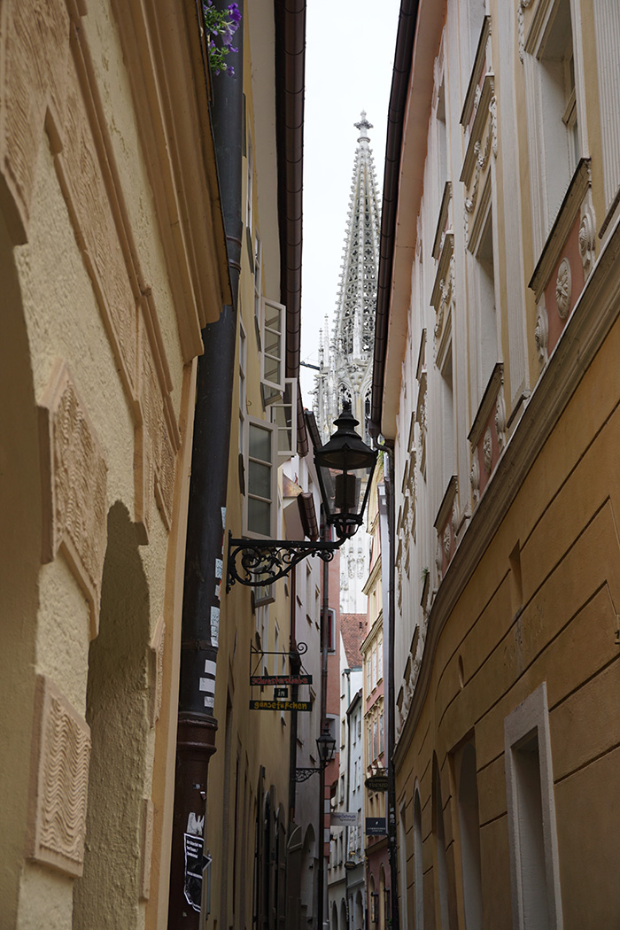 gasse-dom