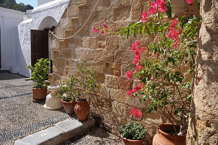 Lindos-Blumenwand