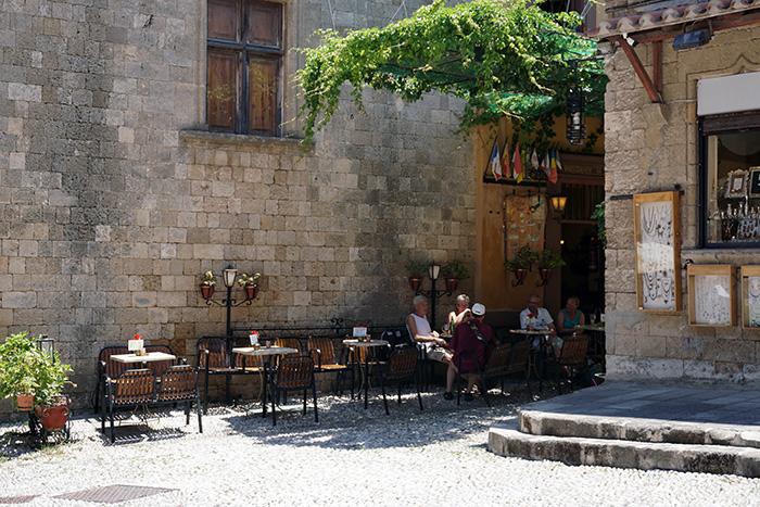 Rhodos-Stadt-Restaurant-am-Platz