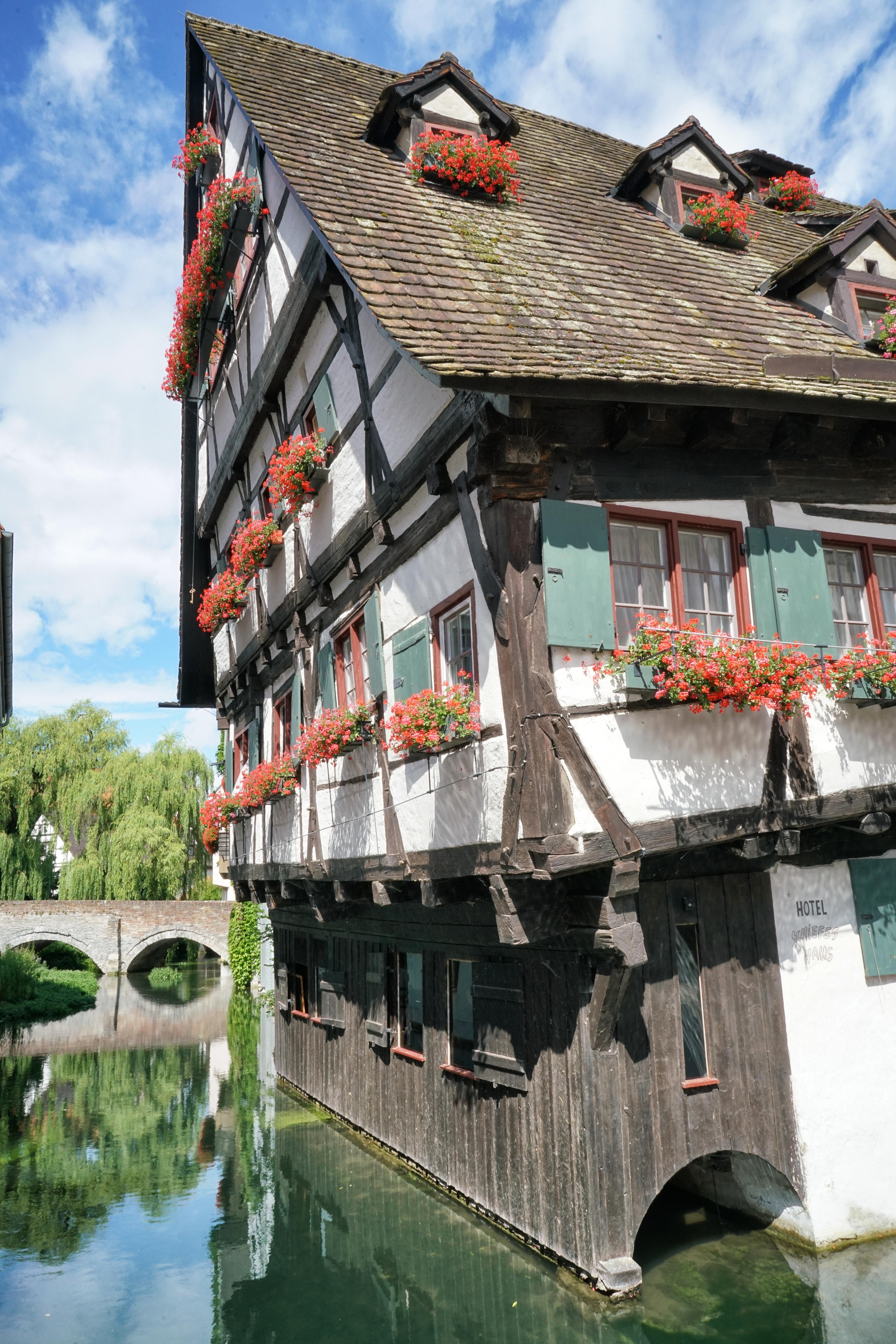 Ulm-schiefstes-Hotel
