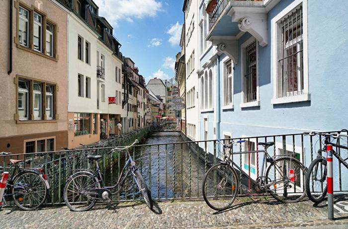 freiburg erleben die green city mit der sch nsten gasse deutschlands. Black Bedroom Furniture Sets. Home Design Ideas
