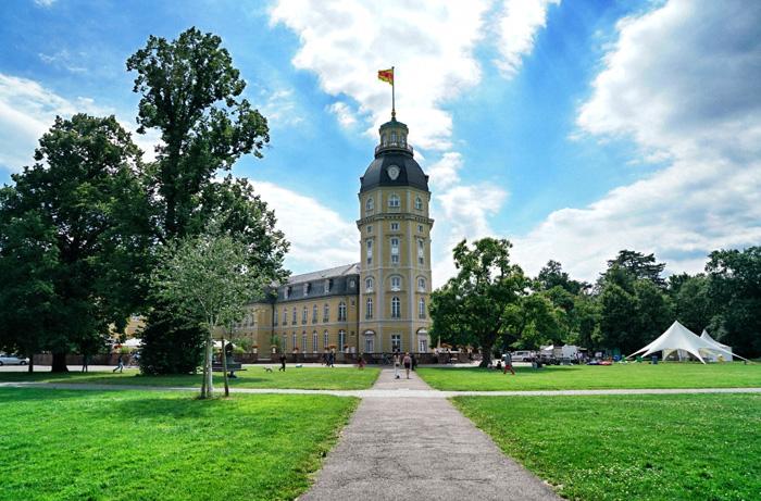 Schloss-Karlsruhe