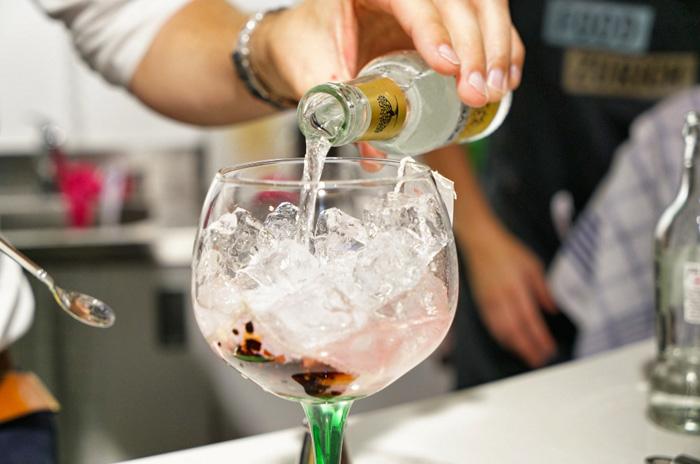 gin-mit-teebeutel
