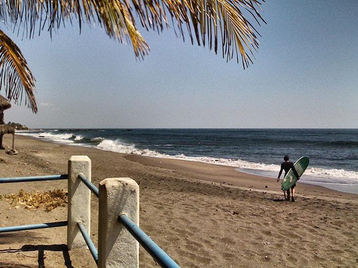las-pinitas-surfen