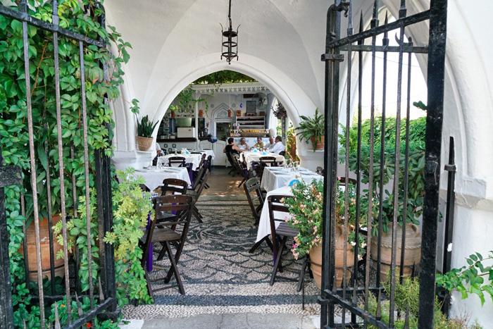 restaurant-in-lindos