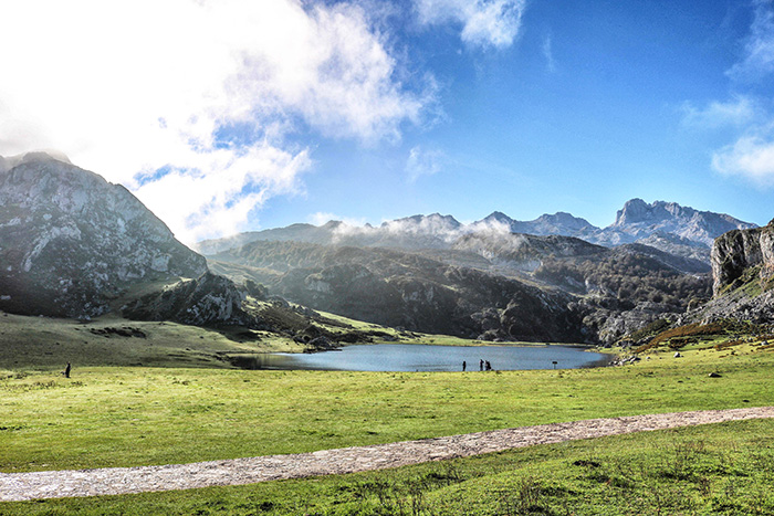 5-picos-de-europa_lago-de-la-ercina