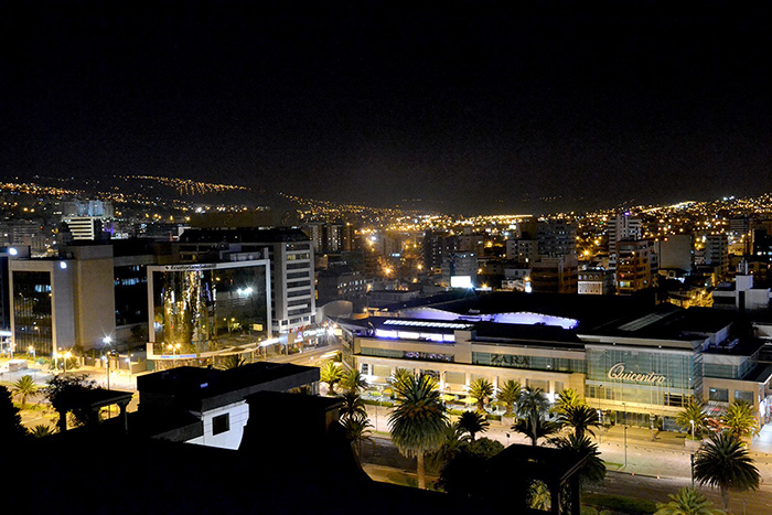 quito-by-night