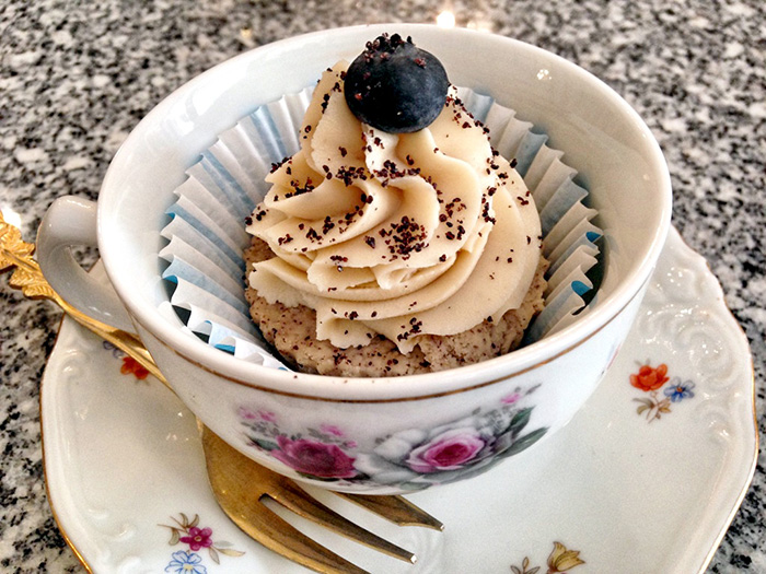 koestlicher-mohn-zitronen-cupcake