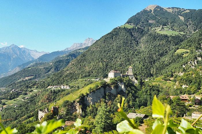 vinschgau-ausblick schloss tirol