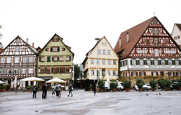 sehenswürdigkeiten-Esslingen-Marktplatz-Fachwerkhäuser