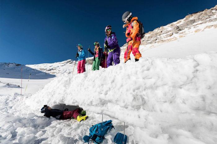 Lawinenkurs für Frauen: So seid ihr Safe on Snow