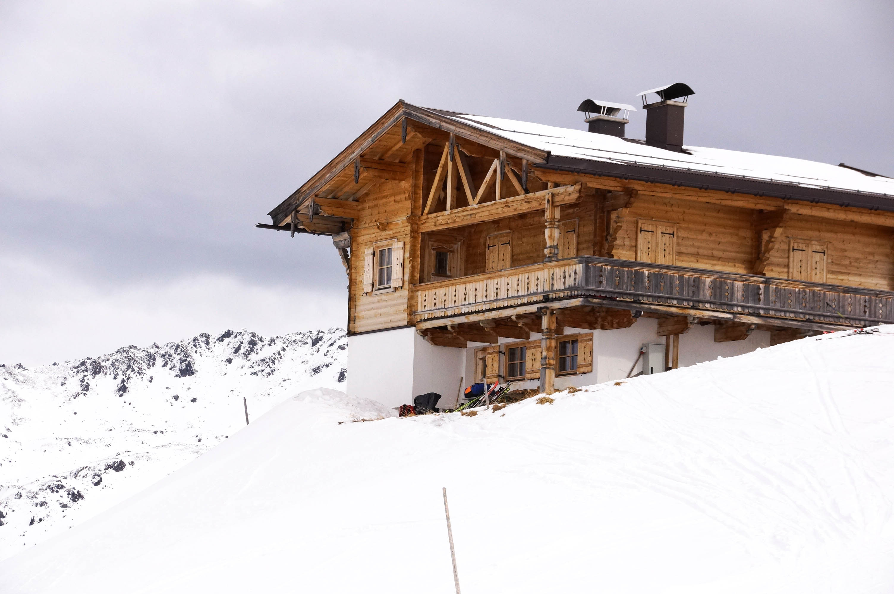 skigebiet-hochfuegen_huette