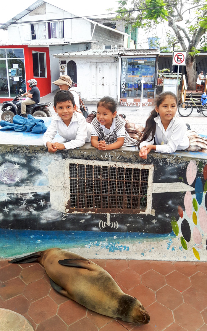 Galapagosinseln günstig bereisen-Kinder