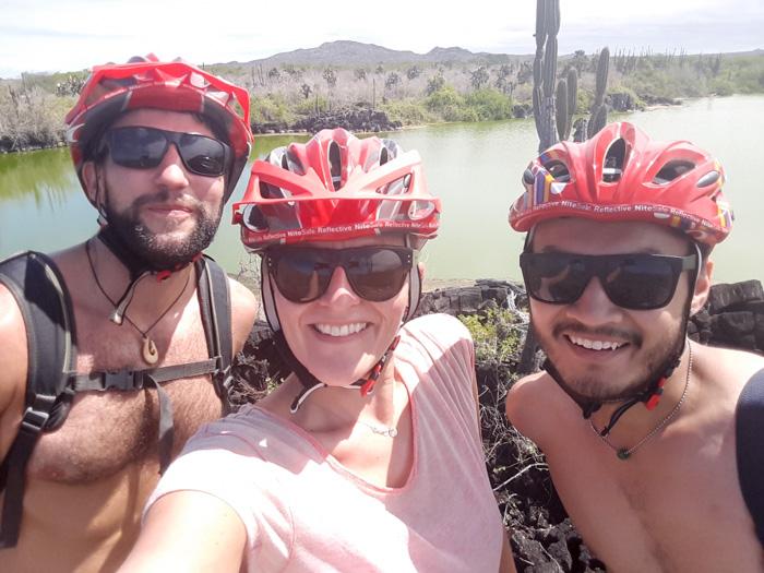 Galapagosinseln günstig bereisen-Biker Selfie