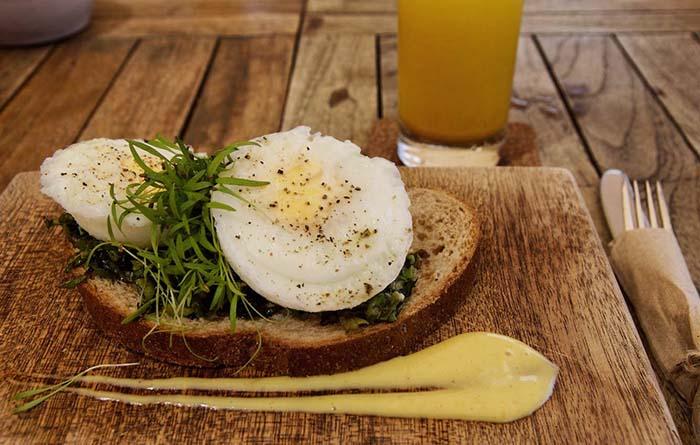Pochierte Eier im Restaurant Hofi Cas Cora, Curacao