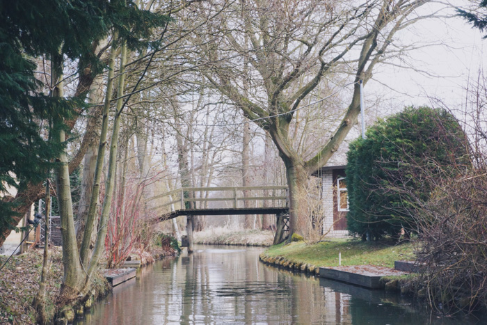 Bruecke auf der Kahnfahrt im Spreewald