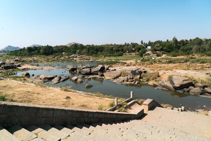Am Fluss von Hampi