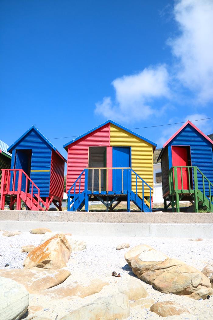Der Strand von Muizenberg ist bekannt für seine guten Surfbedingungen.