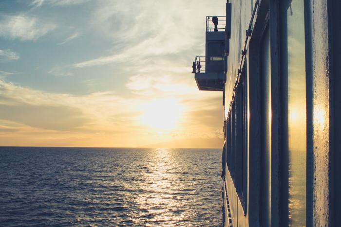 Mit der Fähre von Teneriffa auf die Insel La Gomera fahren.