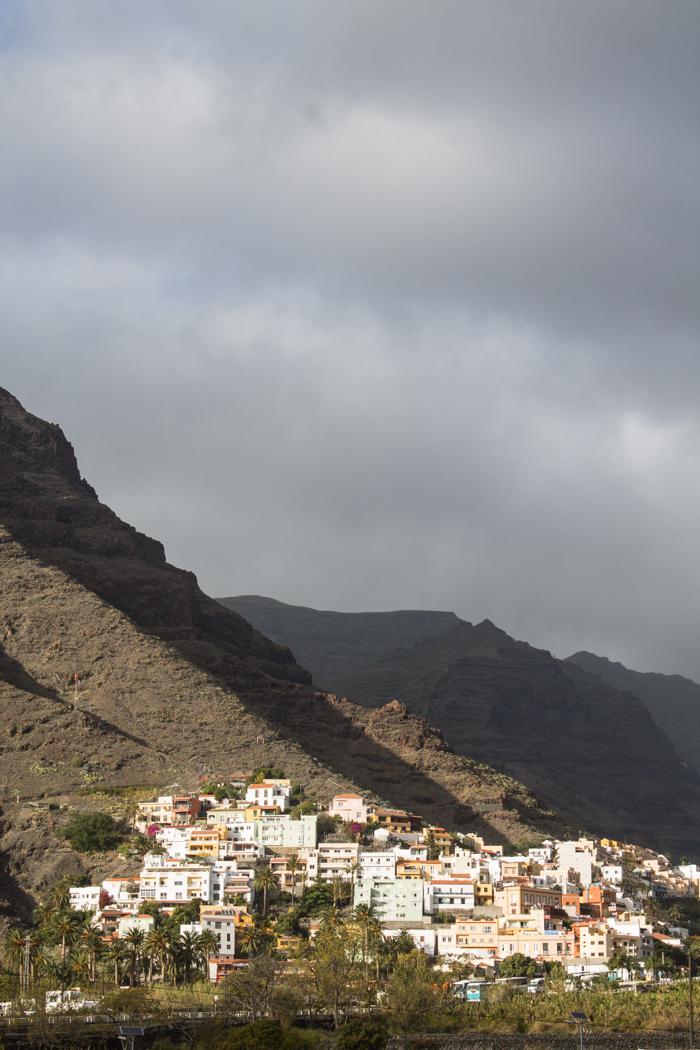 Der zauberhafte Ort Valle Gran Rey auf La Gomera.