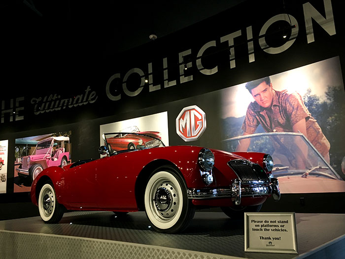 Elvis' Autos in der Ausstellung in Graceland