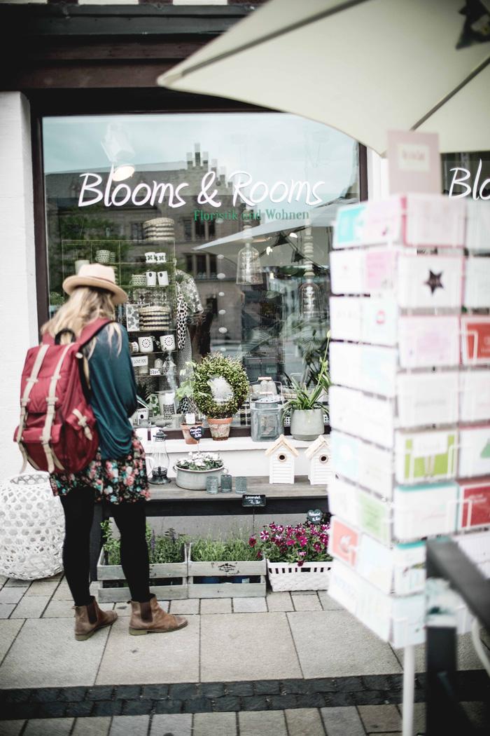Blooms & Rooms