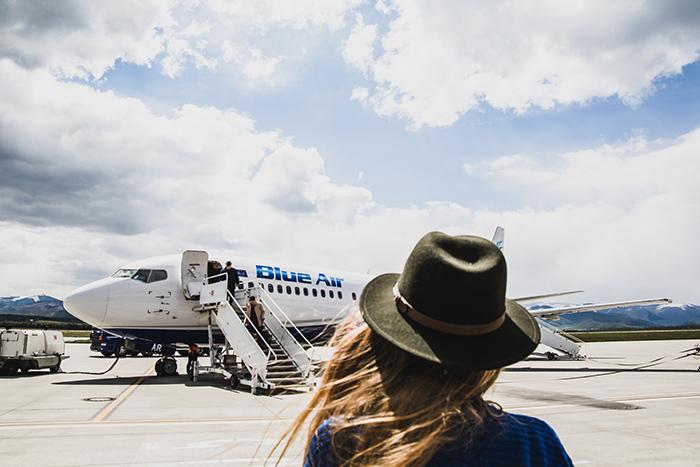 Blue Air am Flughafen Stuttgart